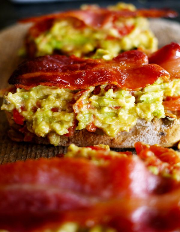 The Londoner » Avocado Bacon Toasts