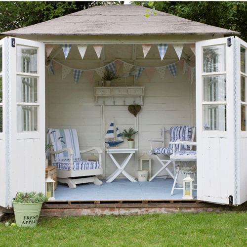 The londoner the summer house for Summer home decorations