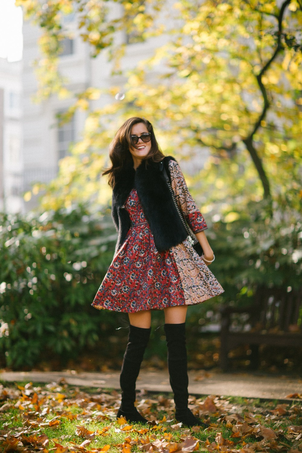 Pretty printed dress with over the knee boots