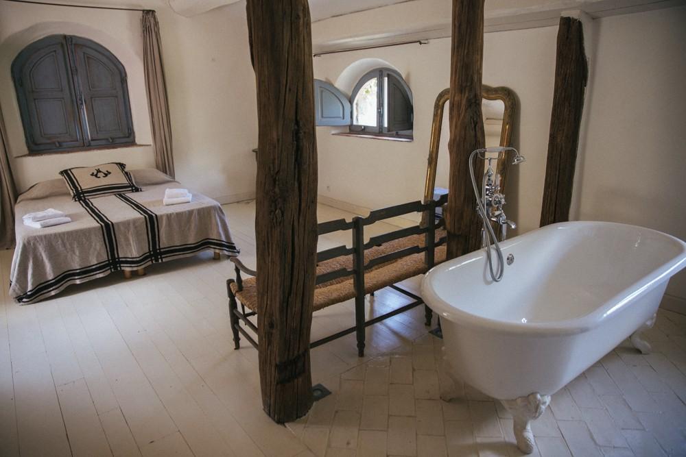 Bedroom meets bathroom