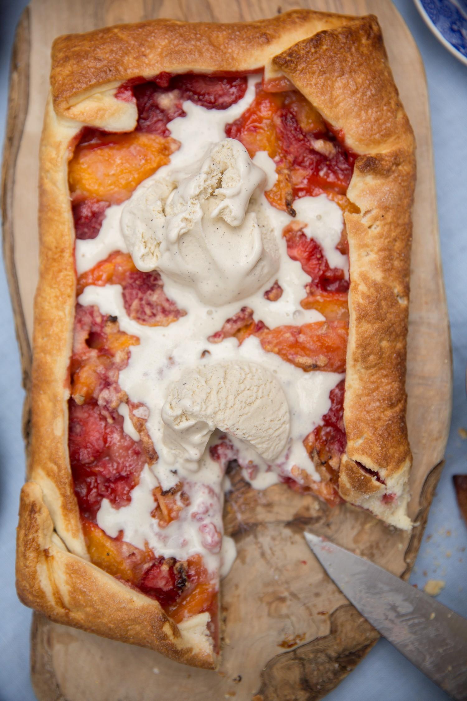 The easiest summer tart
