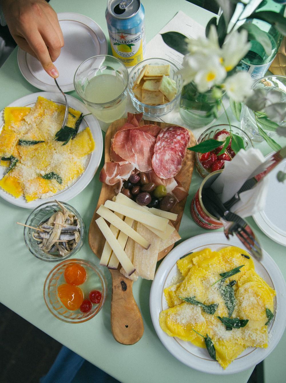 Italian Feast : fresh pasta and cheese board