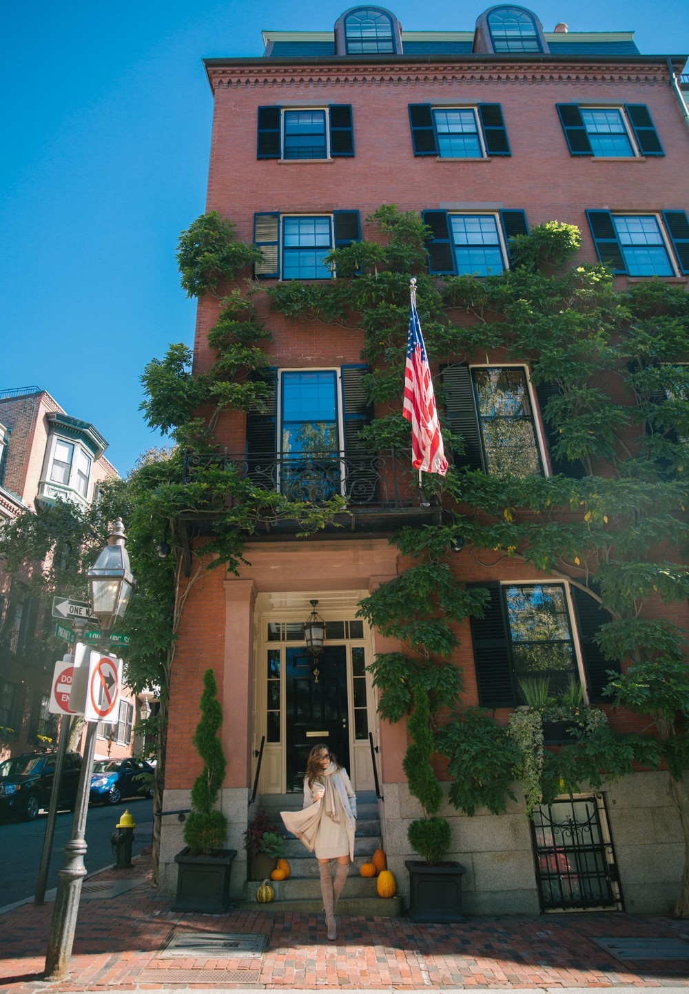 Beacon Hill, Boston - The prettiest townhouses and little streets