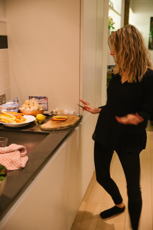 fondue-dinner-party-10