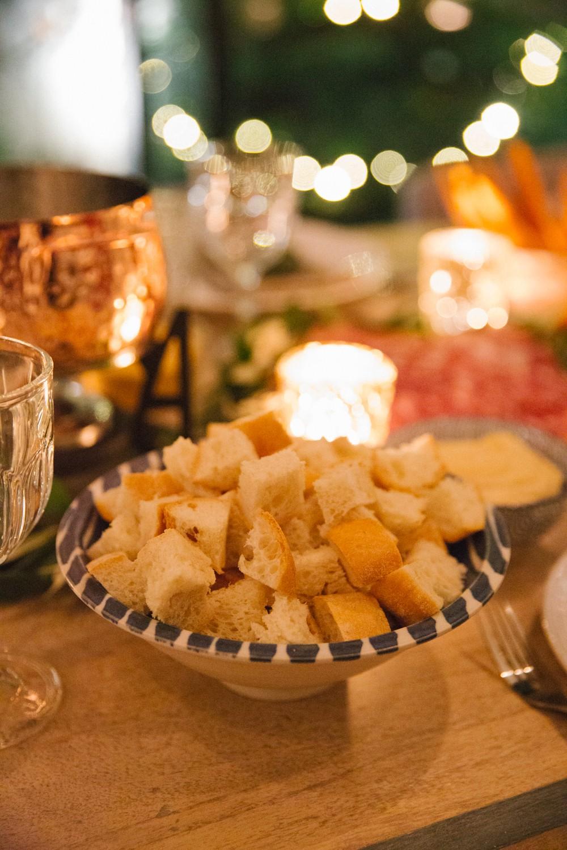 fondue-dinner-party-18