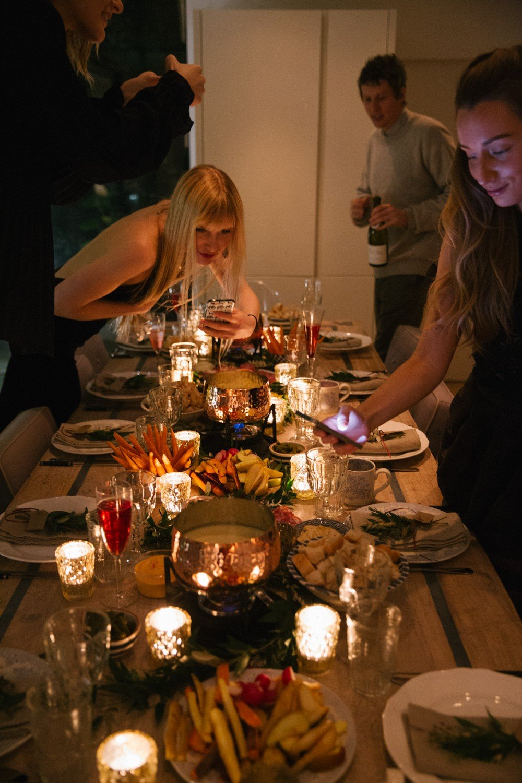 fondue-dinner-party-22