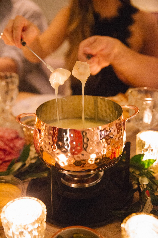 fondue-dinner-party-25