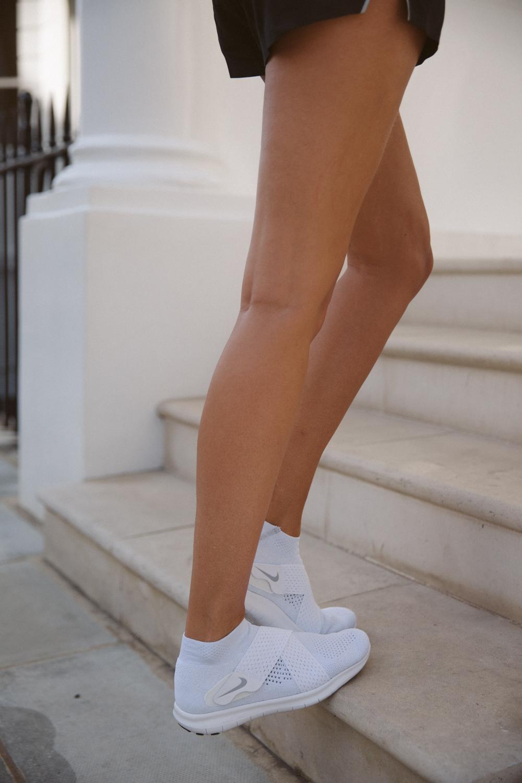 Flexible running shoes